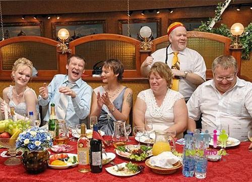 На день рождение конкурсы 4 человека за столом
