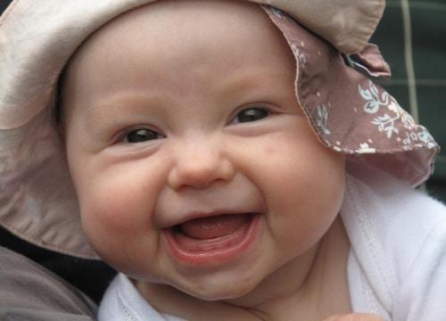 Малыш и улыбка