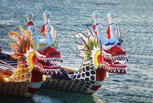 Фестиваль плавающих драконов
