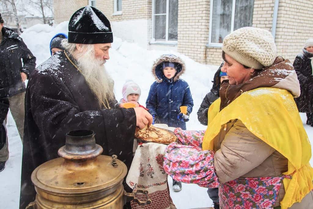 Православная церковь осветила праздник Масленицы