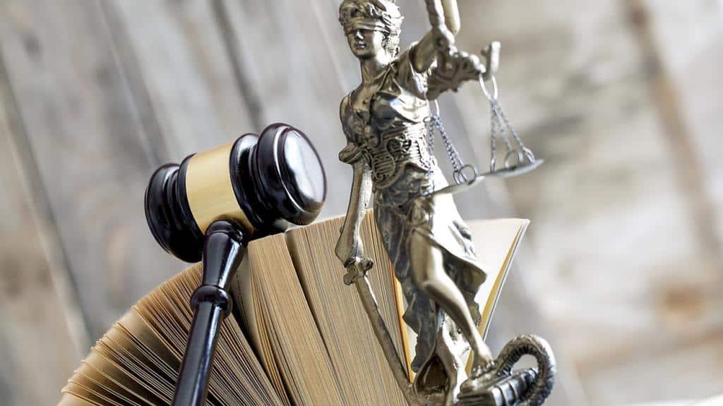Рисунок 2. Правозащитники помогают сделать мир справедливее
