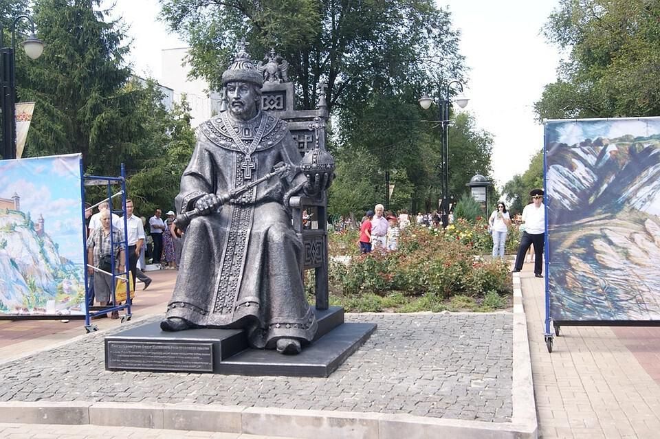 Рис. 1. Памятник Фёдору I Иоанновичу (Блаженному)