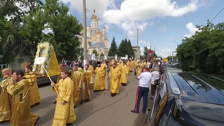 Рисунок 1. Крестный ход в день памяти святых апостолов