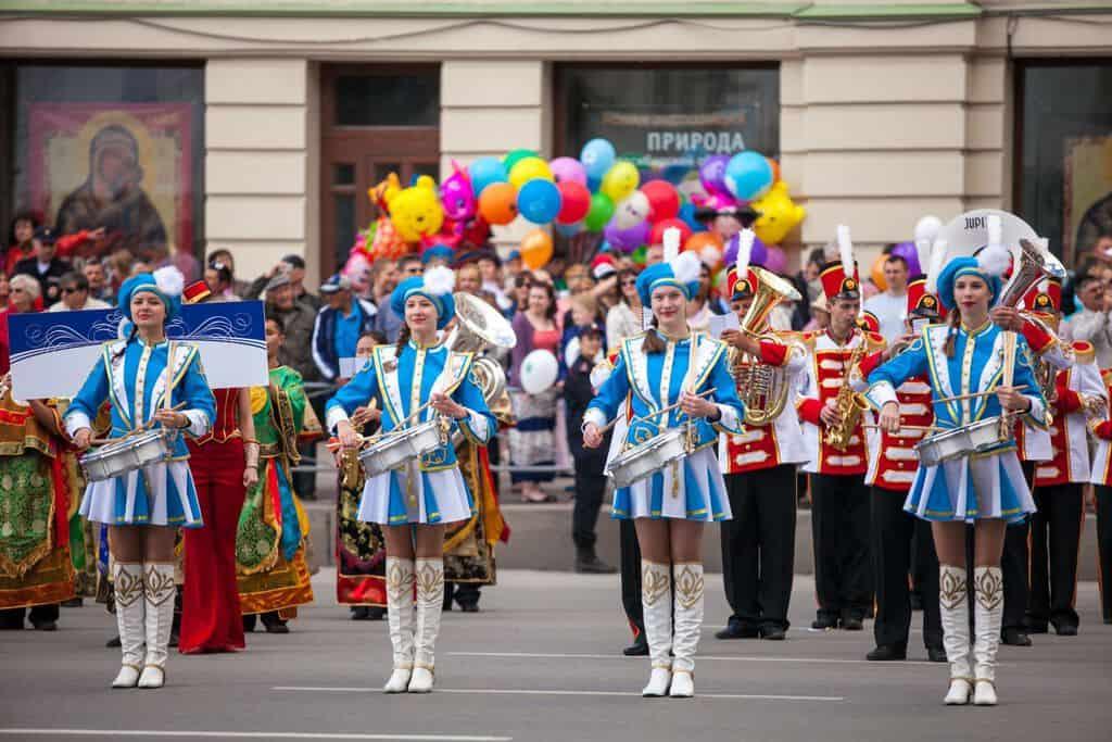 Рисунок 1. Праздничный парад