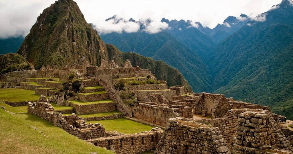 Рис. 1. Древний город инков Мачу-Пикчу в Перу (2 450 метров над уровнем моря)