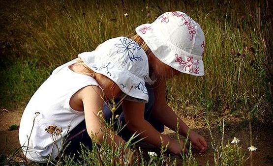 Рисунок 1. Любимая дворовая игра советских девочек