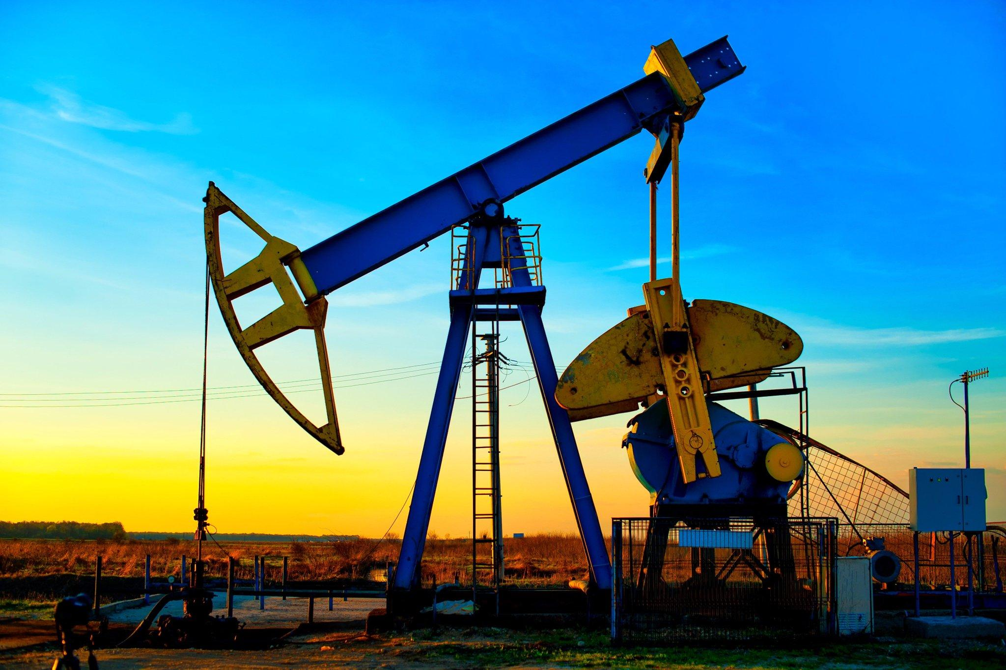 Рис. 3. Нефтедобывающие установки